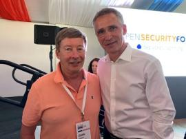 Prof Dunlap with Jens Stoltenberg, the Secretary General of NATO, at the Aspen Security Forum.